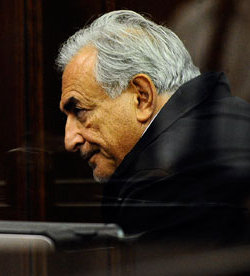 Picture of Dominique Strauss-Kahn in court