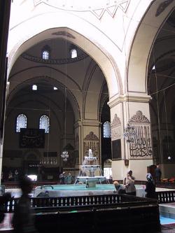 Picture of the Ulucamii mosque in Bursa, Turkey