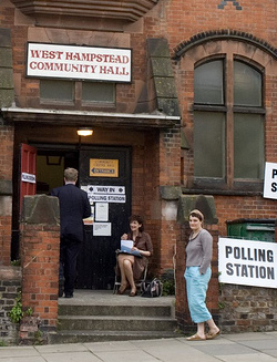 Picture of British polling station at the West Hampstead Community Hall, which is not apparently wheelchair accessible